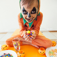 halloween candy caffeine de resized 600 4 out of 5 dentists agree: eat candy til you puke
