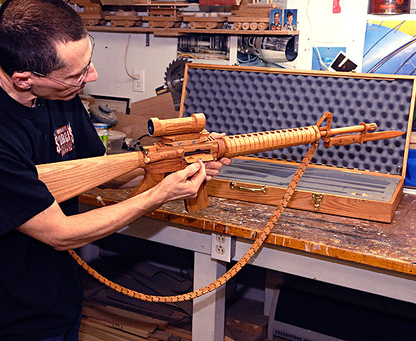canadian soldier carves working wooden c7 m16 replica