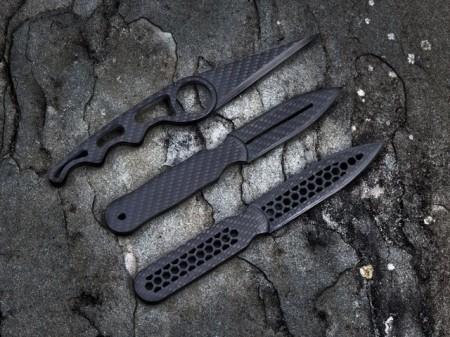 escort carbon fiber daggers 450x337 Carbon fiber knives